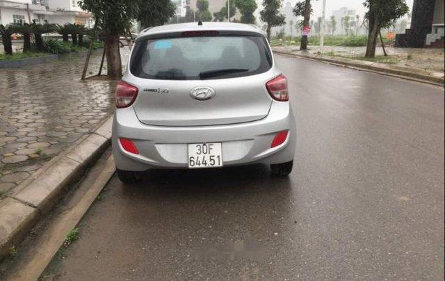 Bán gấp Hyundai Grand i10 năm sản xuất 2015, màu bạc 1