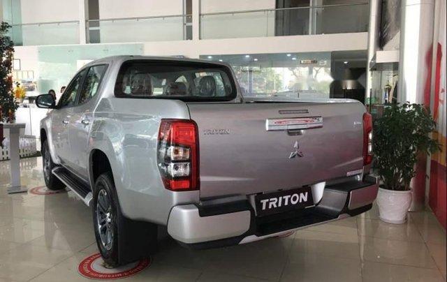 Bán Mitsubishi Triton 2019, màu bạc, nhập khẩu  2