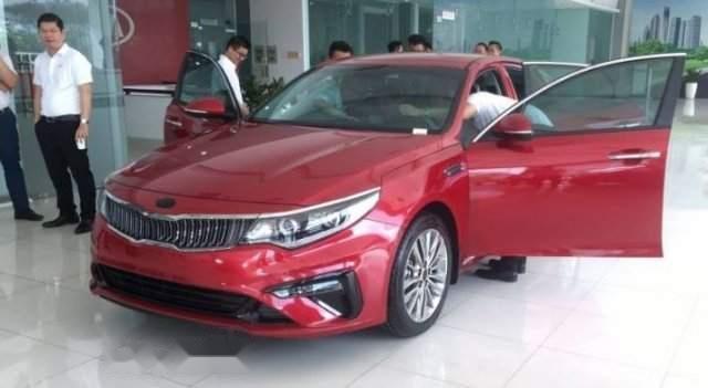 Bán xe Kia Optima Facelift năm sản xuất 2019, màu đỏ0