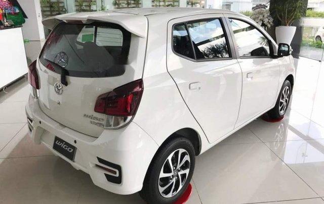 Cần bán xe Toyota Wigo năm sản xuất 2019, màu trắng, nhập khẩu nguyên chiếc, giá tốt3