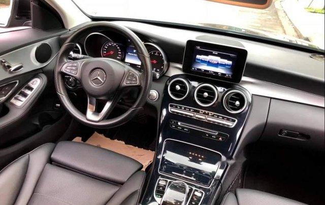 Bán Mercedes C200 2015, màu đen như mới5