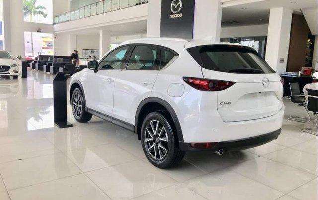 Bán xe Mazda CX 5 2.5 2018, màu trắng, giá 934tr2