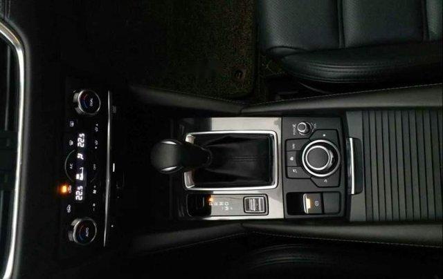 Bán xe Mazda 6 2.0 Premium đời 2017, màu trắng chính chủ4