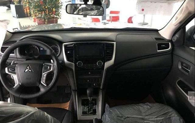 Bán Mitsubishi Triton 2019, màu bạc, nhập khẩu  3