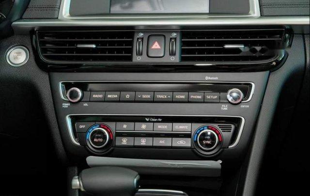 Cần bán xe Kia Optima sản xuất 2019, màu đỏ giá cạnh tranh5