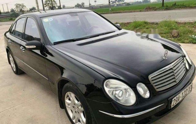 Cần bán Mercedes C200 đời 2004, màu đen0