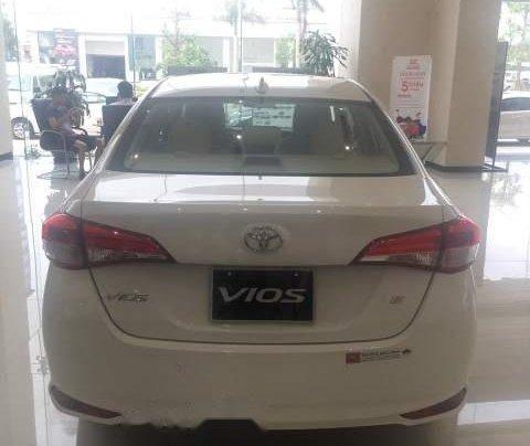 Cần bán xe Toyota Vios năm sản xuất 2019, màu trắng4