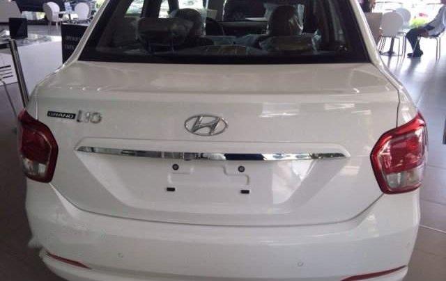 Bán xe Hyundai Grand i10 năm 2019, màu trắng, 390 triệu3
