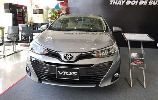 Bán xe Toyota Vios năm sản xuất 2019, màu bạc0