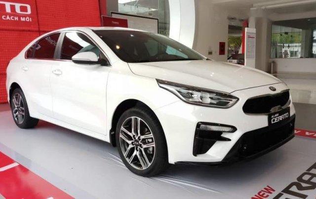 Bán xe Kia Cerato năm sản xuất 2019, màu trắng, mới 100%3