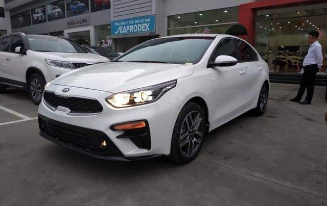 Bán xe Kia Cerato năm sản xuất 2019, màu trắng, mới 100%4