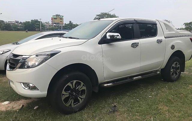 Bán xe Mazda BT 50 2.2L 4x2 AT đời 2017, màu trắng, nhập khẩu  0