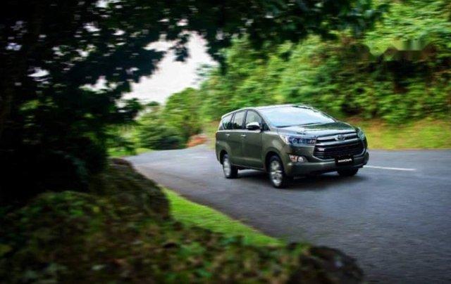 Cần bán xe Toyota Innova 2.0L đời 2019, giá tốt0