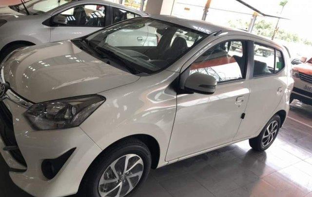 Bán Toyota Wigo 1.2AT sản xuất năm 2019, màu trắng, nhập khẩu1