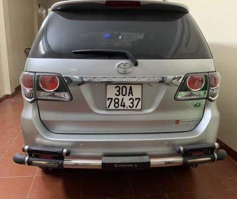Bán Toyota Fortuner đời 2015, màu bạc xe gia đình, giá 820tr2