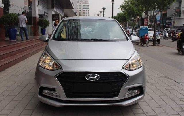 Cần bán xe Hyundai Grand i10 sản xuất 2018, màu bạc, giá chỉ 419 triệu1