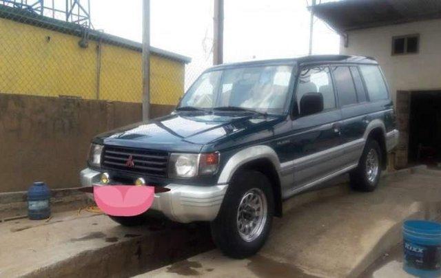 Cần bán gấp Mitsubishi Pajero sản xuất năm 20010