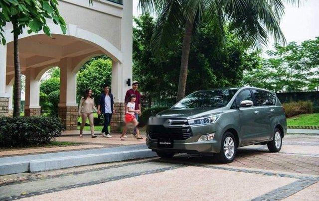 Cần bán xe Toyota Innova 2.0L đời 2019, giá tốt1