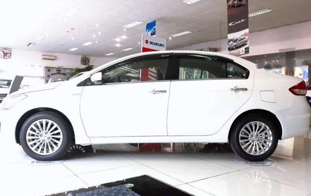 Cần bán xe Suzuki Ciaz đời 2018, màu trắng, giá 499tr0