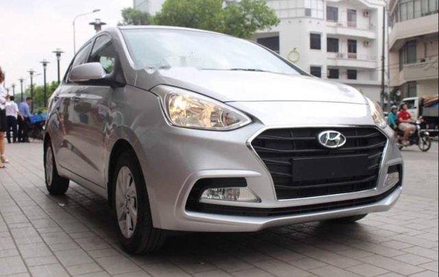 Cần bán xe Hyundai Grand i10 sản xuất 2018, màu bạc, giá chỉ 419 triệu0