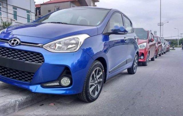 Cần bán xe Hyundai Grand i10 sản xuất 2019, màu xanh lam0
