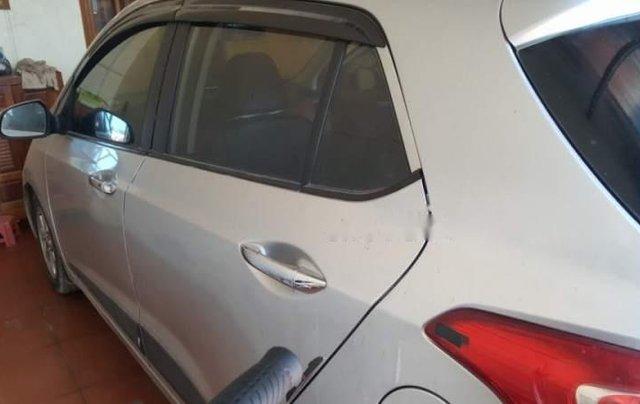 Cần bán lại xe Hyundai Grand i10 năm sản xuất 2014, màu bạc, xe nhập 4