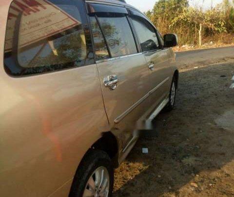 Bán xe Toyota Innova đời 2011, màu vàng5