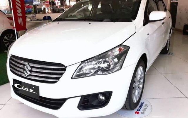 Cần bán xe Suzuki Ciaz đời 2018, màu trắng, giá 499tr1