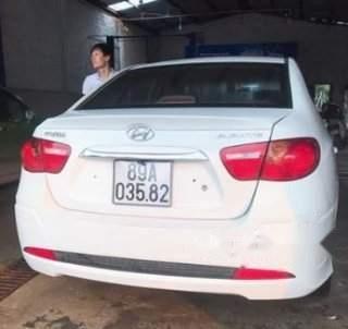 Cần bán Hyundai Avante năm sản xuất 2014, màu trắng1