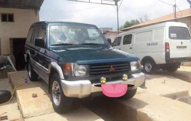 Cần bán gấp Mitsubishi Pajero sản xuất năm 20011