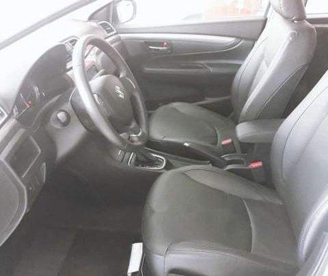 Cần bán xe Suzuki Ciaz đời 2018, màu trắng, giá 499tr5
