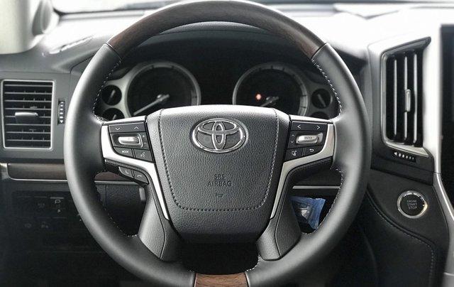 Toyota LandCruiser NK Nhật Bản mới 100% chính hãng, giao xe ngay - LH 0942.456.8383