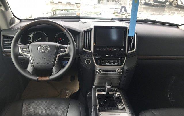 Toyota LandCruiser NK Nhật Bản mới 100% chính hãng, giao xe ngay - LH 0942.456.8388