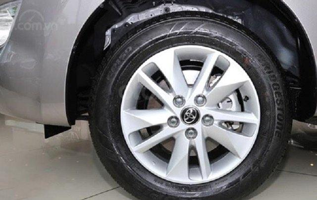 Toyota Innova 2020 số sàn - khuyến mãi lớn, trừ tiền và phụ kiện - Trả góp từ 6tr/tháng  5
