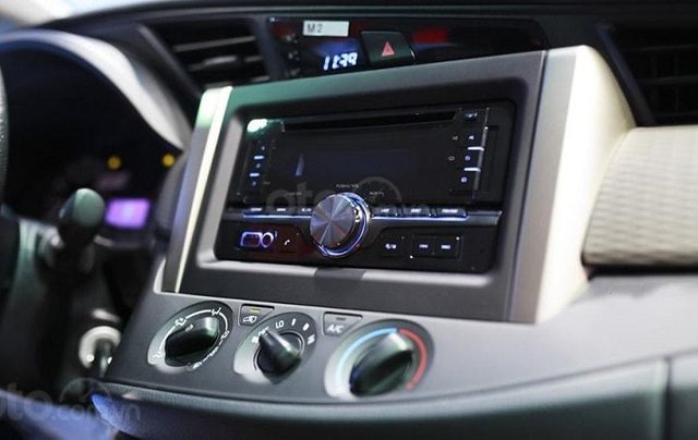 Toyota Innova 2020 số sàn - khuyến mãi lớn, trừ tiền và phụ kiện - Trả góp từ 6tr/tháng  7