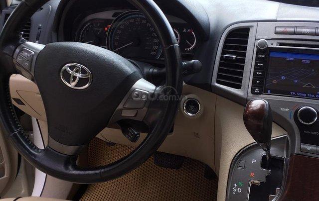 Cần bán 01 xe Toyota Venza, xe nhà it đi, nội thất ok1
