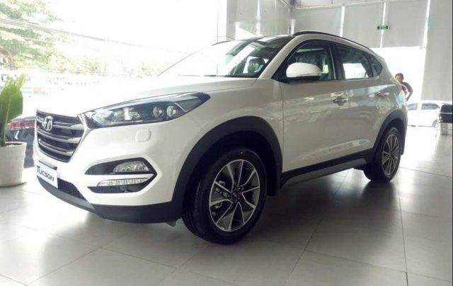 Bán Hyundai Tucson 2.0 sản xuất năm 2019, màu trắng1