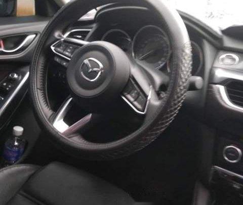 Cần bán Mazda 6 Premium 2.0 2017, màu trắng chính chủ giá cạnh tranh5