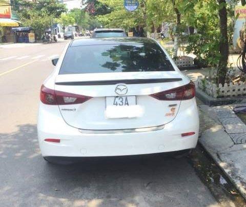 Cần bán gấp Mazda 3 năm 2017, màu trắng xe gia đình1