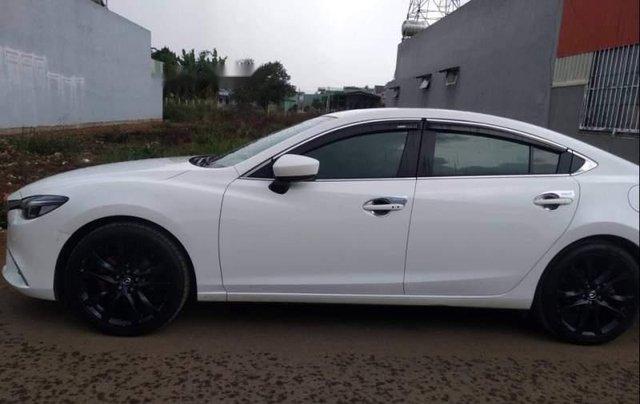 Cần bán Mazda 6 Premium 2.0 2017, màu trắng chính chủ giá cạnh tranh2