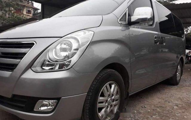 Bán Hyundai Grand Starex 2016, màu bạc, nhập khẩu  1