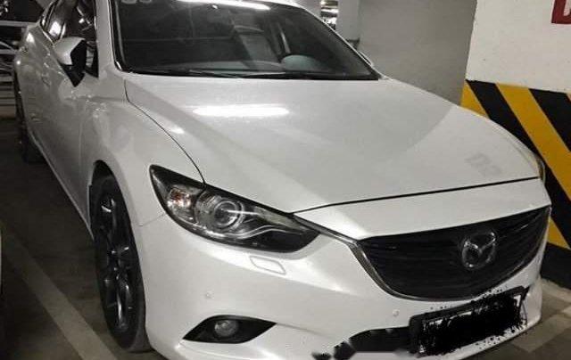 Cần bán gấp Mazda 6 sản xuất năm 2018, màu trắng1