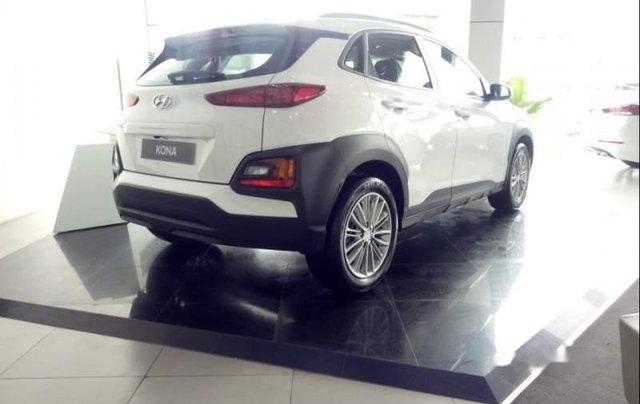 Bán Hyundai Kona đời 2019, màu trắng, 615 triệu1