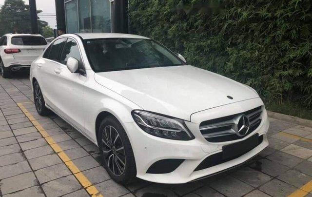 Bán ô tô Mercedes C200 đời 2019, màu trắng, nhập khẩu1