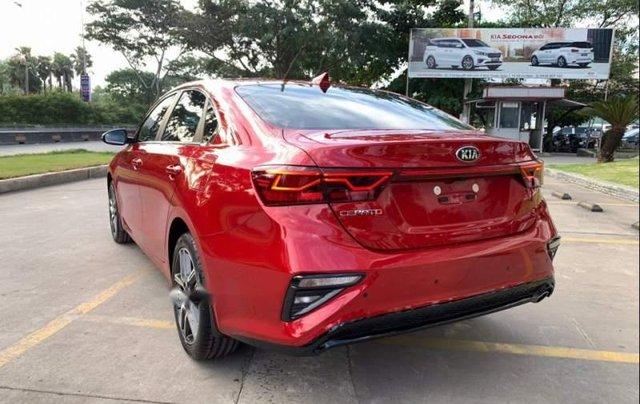 Cần bán Kia Cerato 2019, màu đỏ, giá tốt1