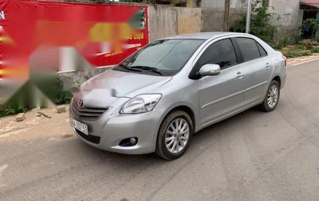 Cần bán Toyota Vios năm sản xuất 2011, màu bạc, số sàn1