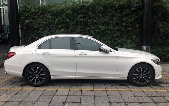 Bán ô tô Mercedes C200 đời 2019, màu trắng, nhập khẩu2