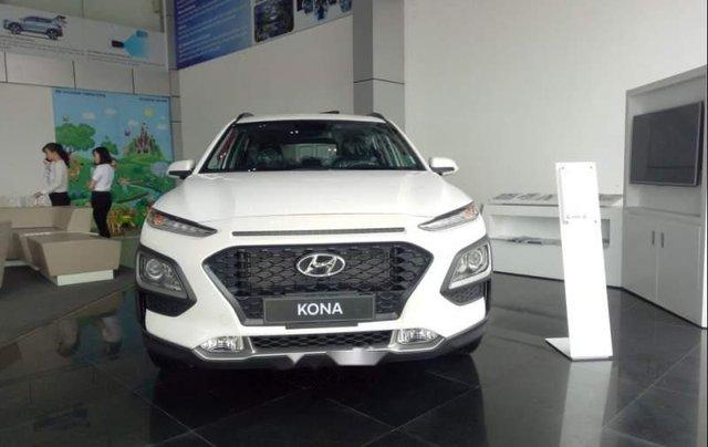Bán Hyundai Kona đời 2019, màu trắng, 615 triệu3