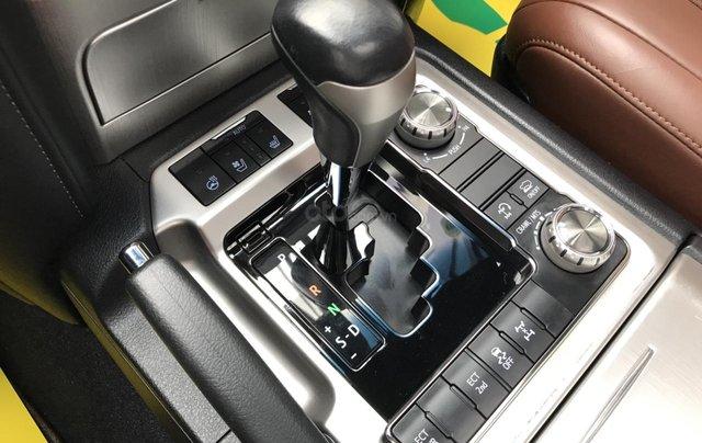 MT Auto bán Toyota Land Cruiser V8 5.7 SX 2016, xe mới 100% màu đen, xe nhập Mỹ nguyên chiếc - LH em Hương 09453924688
