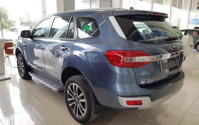 Cần bán nhanh chiếc xe Ford Everest Titanium 2019, màu xanh lam, xe nhập khẩu nguyên chiếc1